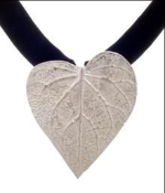 Silver Leaf Pendant by Goldlip